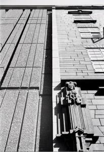 Detalj fra overgangen mellom den opprinnelige Telegrafbygningen fra 1924 og tilbygget fra 1966
