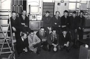Bak fra venstre: Vinkenes, Einar Skille, Henriksen, Arnfinn Romarheim, ukjent, Arvid Haugsdal, Lona Foran fra venstre: Reidar(?) Mortensen, Harald Skindlo, Rasmussen, Mikalsen, Jensen