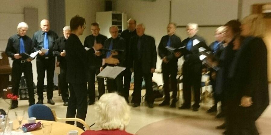 Telefonikerne med vakker sang på medlemsmøte 25. oktober 2016