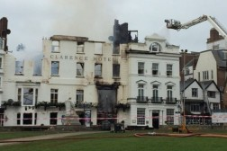 Royal Clarence hotell, Englands eldste, brant ned fredag 28. oktober.
