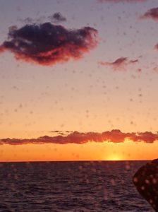 <em>Solnedgang til sjøs</em>